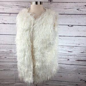 Sneak Peek fuzzy poofy puffy furry white vest sz M